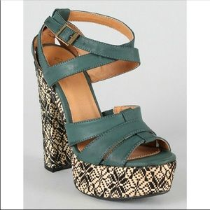 NWOT beautiful platforms heals from ModCloth Qupid